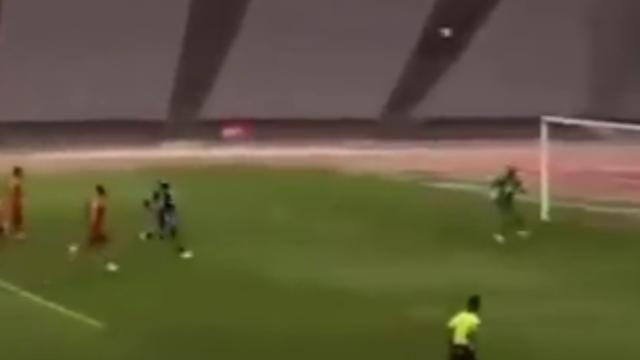 Belgische keeper scoort in Turkije met streep van tachtig meter