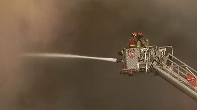 Grote brand in chemisch opslagbedrijf in Lima
