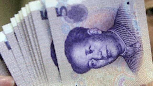 Chinees betaalt nieuwe vrachtwagen met kleingeld