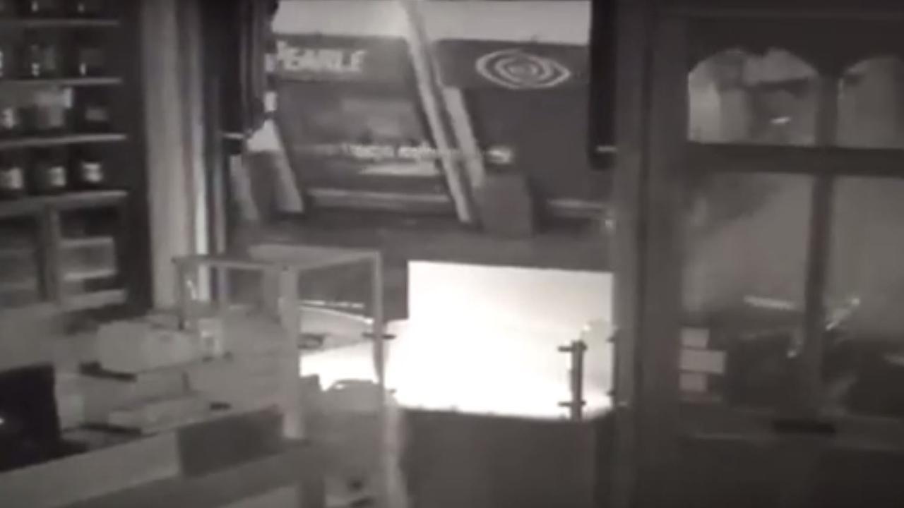 Bewakingsbeelden tonen instorten gebouw Den Bosch