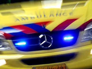 43-jarige man afgevoerd naar ziekenhuis
