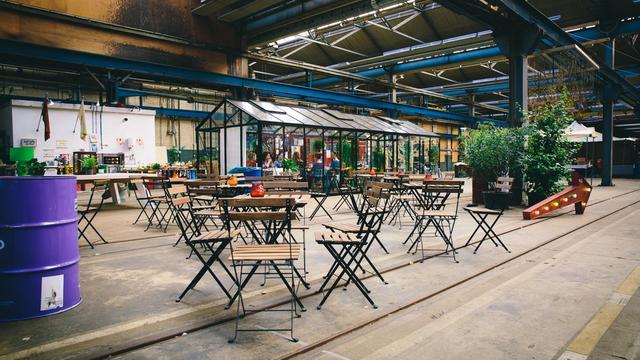 Oude werkplaats van de NS omgetoverd tot 'Snorfabriek'
