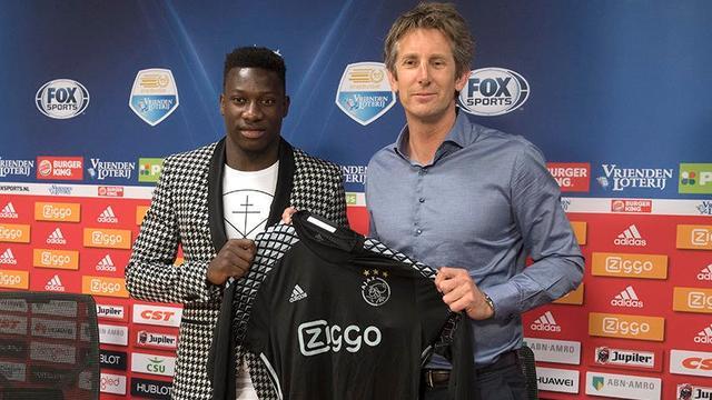 Onana zet handtekening onder contract tot medio 2021 bij Ajax