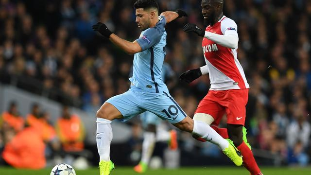 Aguero scoort dankzij blunderende Subasic (2-2)