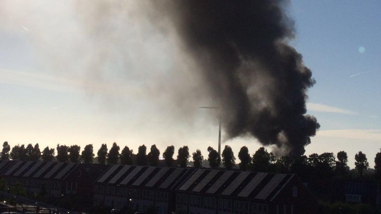 Grote brand op bedrijventerrein in Alkmaar