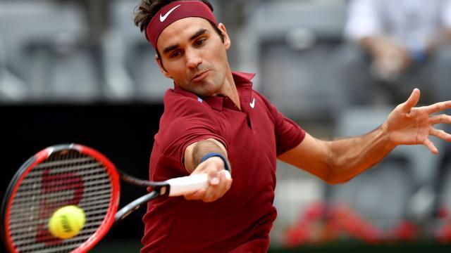 Federer verslaat Zverev bij rentree in Rome