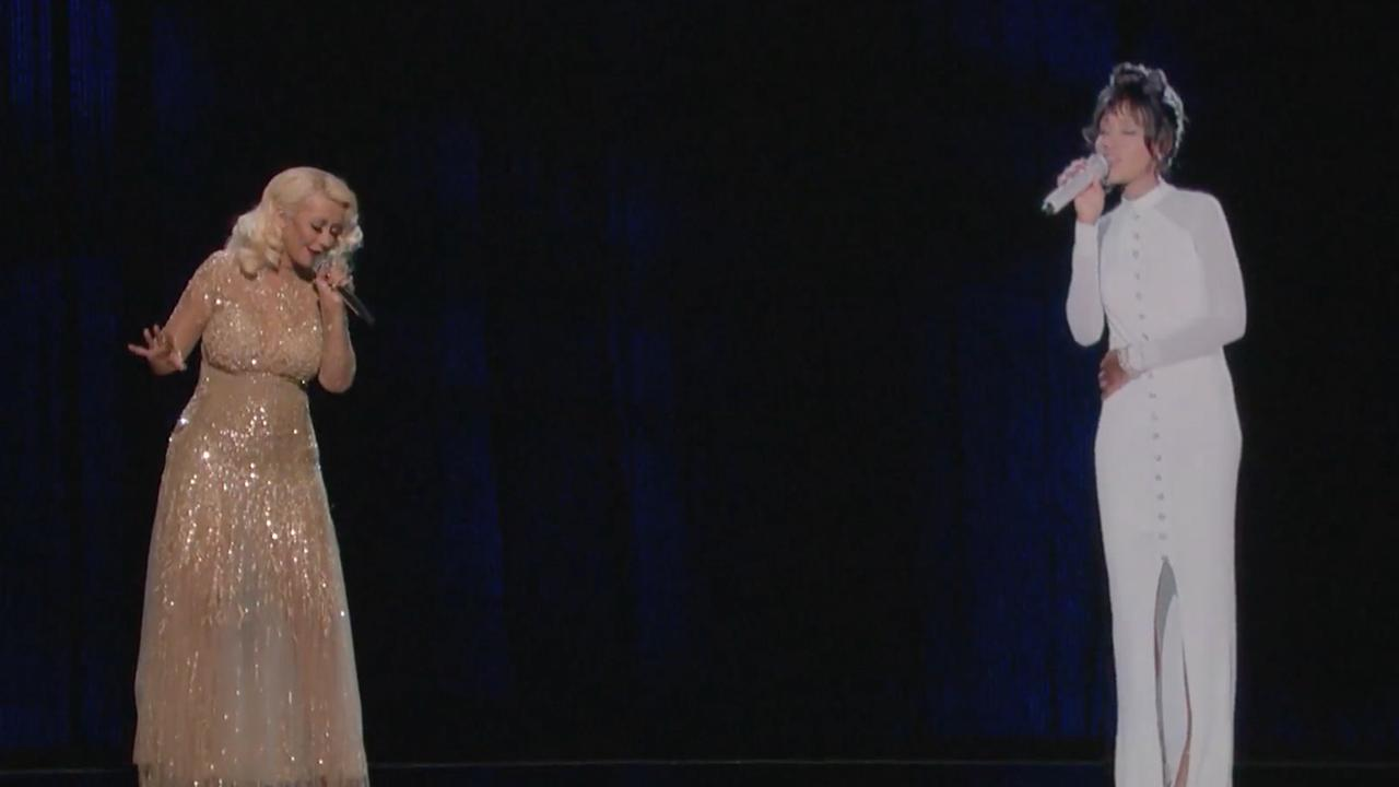 Repetitie Christina Aguilera met hologram Whitney Houston