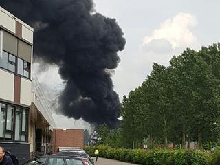 Brand ontstaan nadat een bak met alcohol vlam vatte