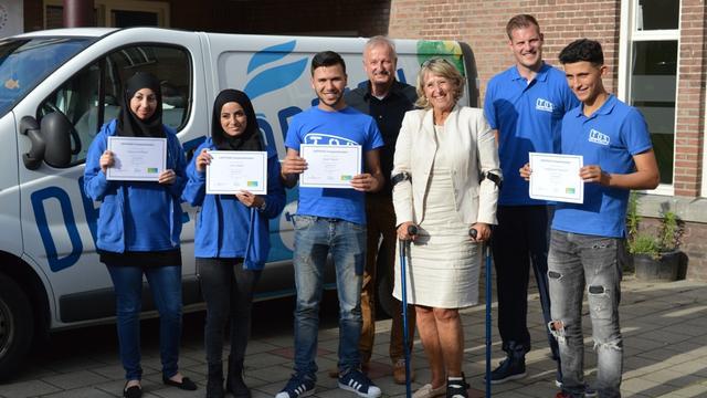 Vier energiejongeren ontvangen certificaat