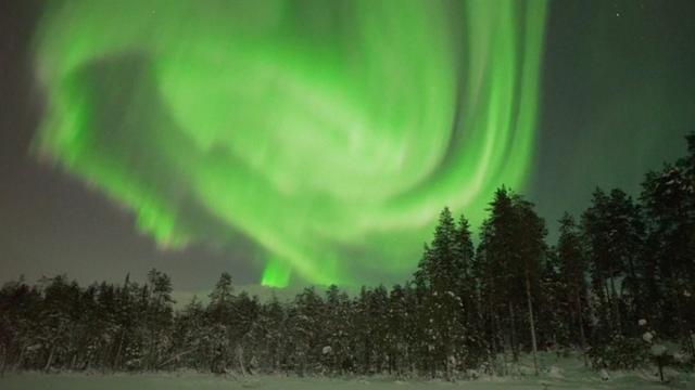 Bijzonder wervelend Noorderlicht gefilmd in Finland