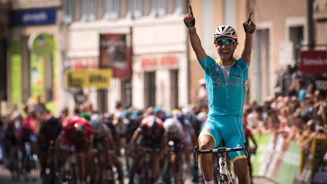 Aru blijft peloton nipt voor in derde etappe Dauphiné