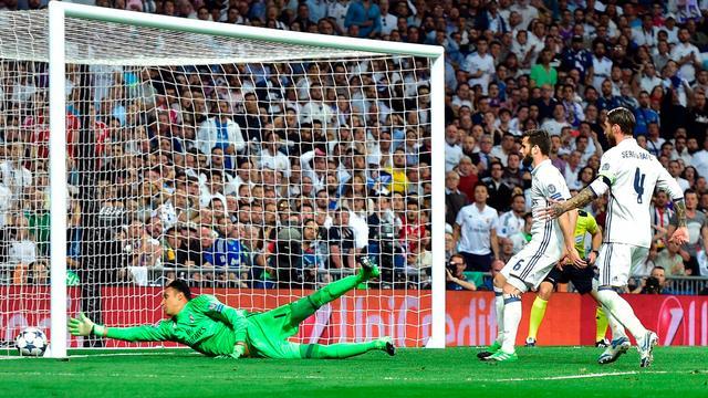 Bizarre eigen goal Ramos zorgt voor verlenging in Bernabeu