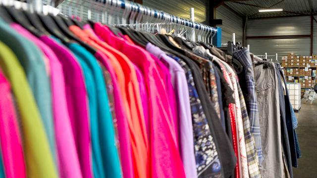 Een op vijf kledingstukken in Nederlandse kledingkast wordt niet gebruikt