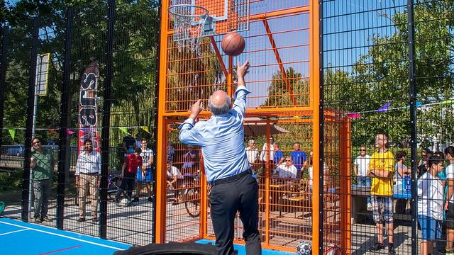 Omstreden sportkooi in Leiderdorp geopend