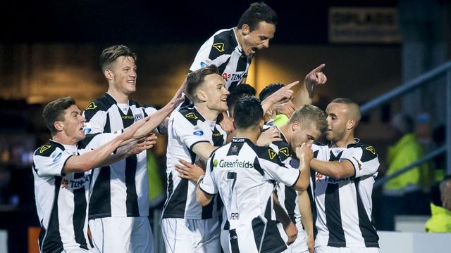 Heracles houdt hoop op Europees ticket na 1-1 gelijkspel