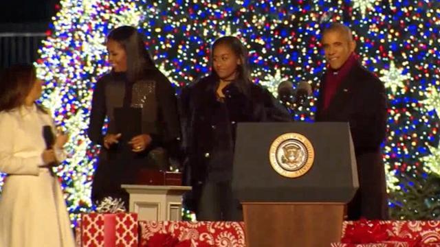 Obama's verlichten voor laatste keer kerstboom Witte Huis