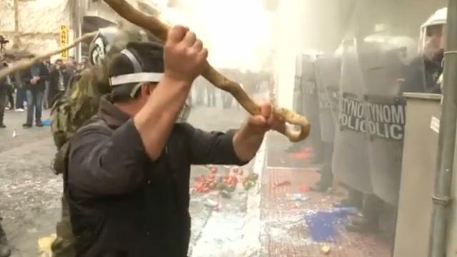Griekse boeren in opstand vanwege pensioenplan