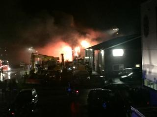 Politie zoekt twee personen in verband met mogelijke brandstichting