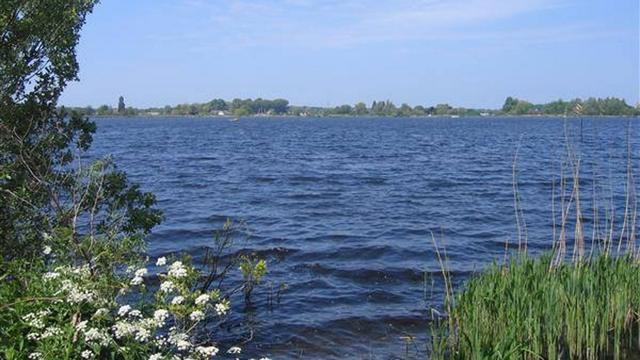 Drenkelingen uit water Vlietland gered