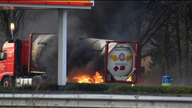 A58 bij Zegge weer open na brand tankwagen