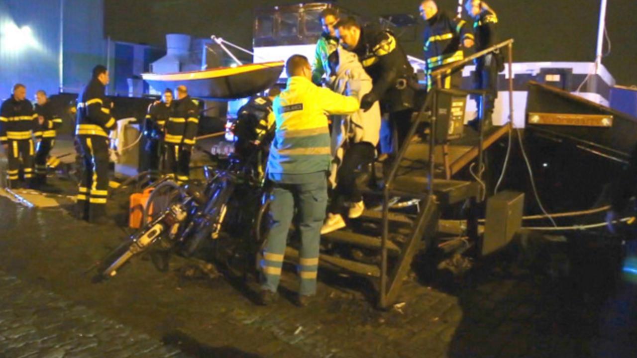 Drenkelingen in Delft uit water gehaald