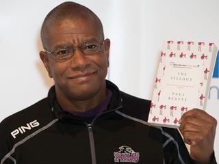 Beatty is eerste Amerikaan die Bookerprijs wint