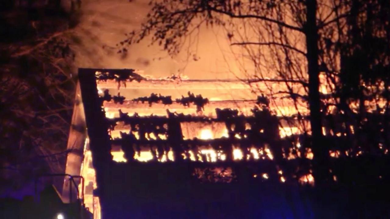 Asbest vrijgekomen bij grote brand manege in Wolvega