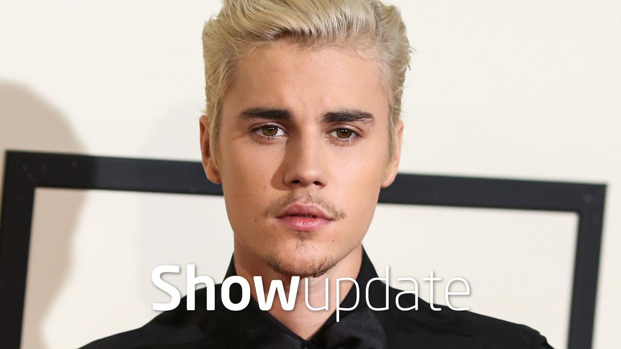 Justin Bieber gaat wakeboarden in onderbroek