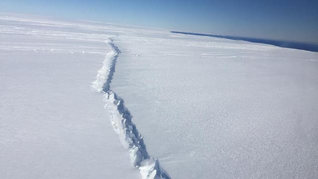 Gletsjer op Antarctica breekt van binnenuit