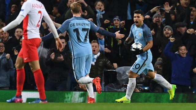 Manchester City op 3-3 via Aguero