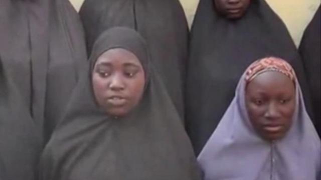Beelden vrijgekomen van ontvoerde meisjes Boko Haram