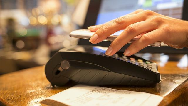 DNB wijst banken op risico's mobiel betalen