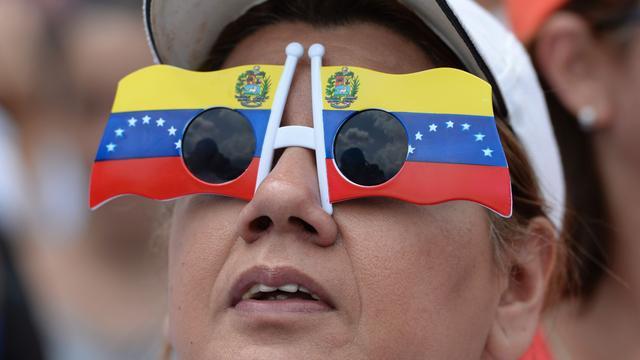 Regering en oppositie Venezuela matigen toon