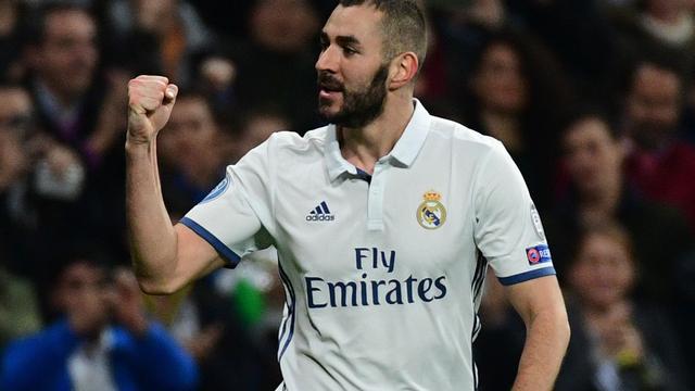 Benzema verdubbelt voorsprong Real Madrid met hoofd
