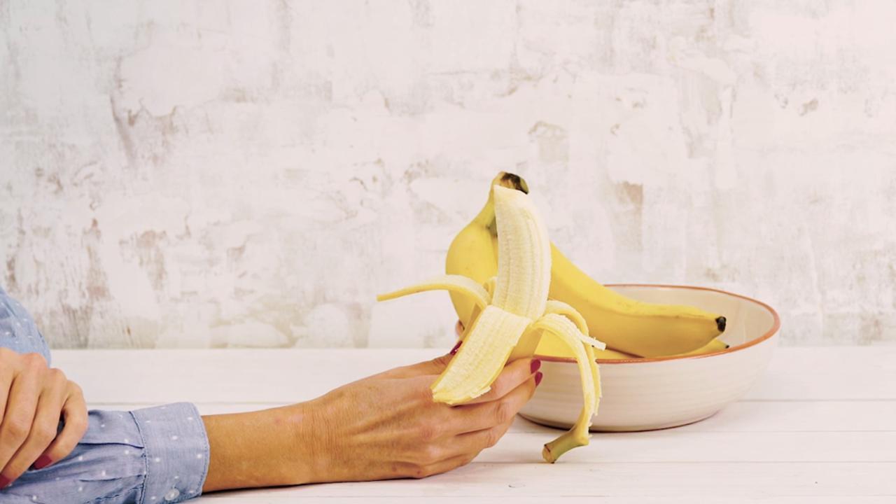 Bananen pellen op drie manieren