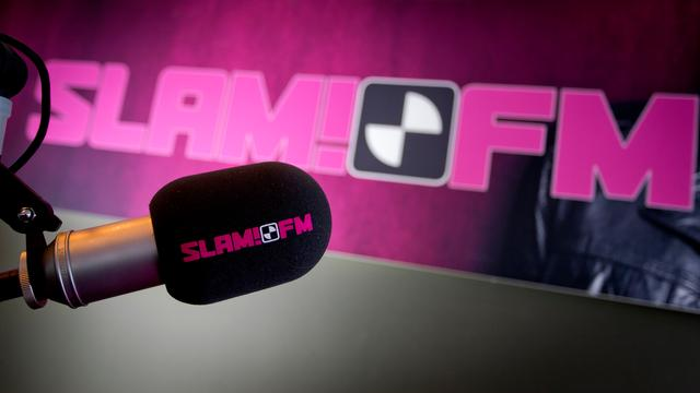 Colour Run en Slam FM on Tour muziekfeest op de Markt