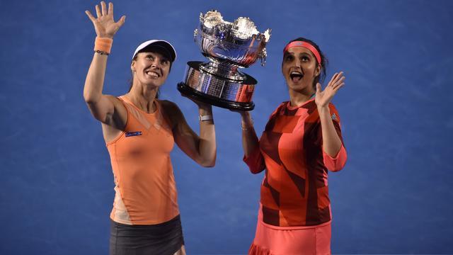 Hingis pakt met Mirza titel in dubbelspel op Australian Open