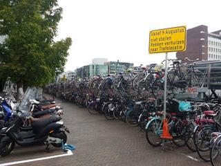 Bijna dertienduizend mensen parkeren fiets bij station