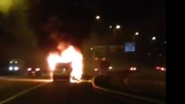 Utrechtse band ziet busje met instrumenten in vlammen opgaan