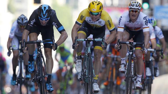 Hofland grijpt net naast ritzege in Ronde van Italië