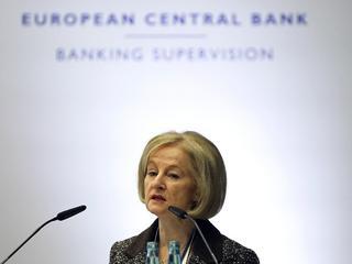 Lage rente zet verdienmodel banken onder druk