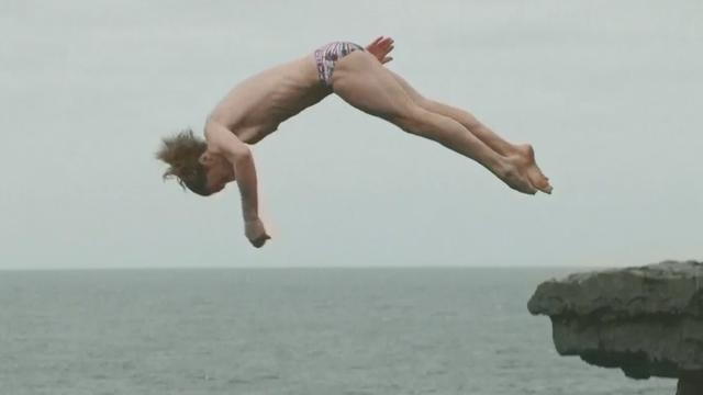 Dit zijn de winnende sprongen op de Cliff Diving World Series Ierland