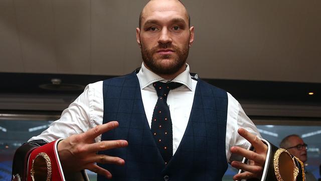 Bokskampioen Fury niet bestraft voor controversiële uitspraken