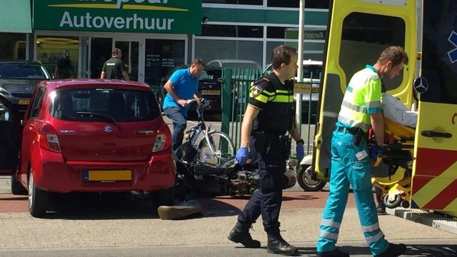 Scooterrijdster gewond bij ongeval Terheijdenseweg