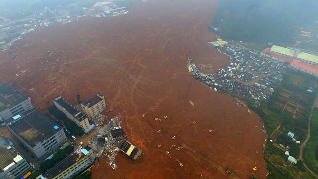 Tientallen functionarissen veroordeeld voor rol bij aardverschuiving China