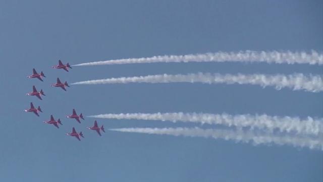 Britse luchtmacht vliegt mee in indrukwekkende Chinese stuntshow