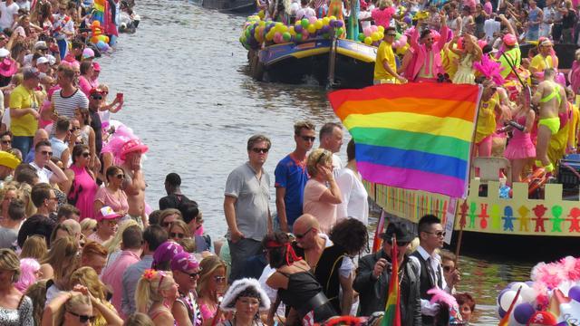 Extra politie op de been tijdens Canal Parade Amsterdam