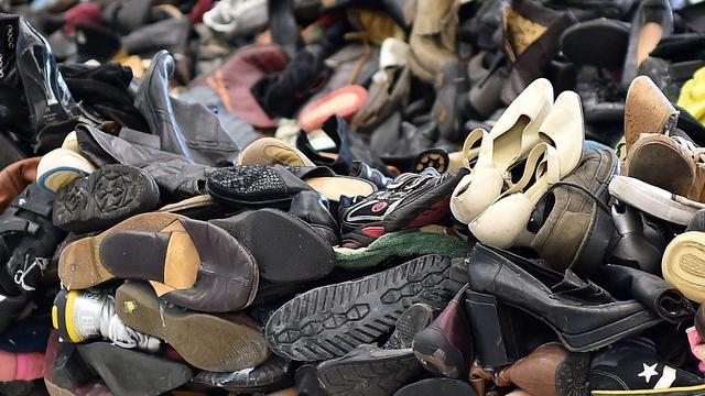 Gronings kringloopbedrijf vindt kwijtgeraakte juwelen in zak schoenen