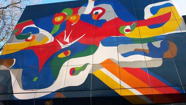Gemeente in gesprek over behoud gevelkunstwerk Vredenburg