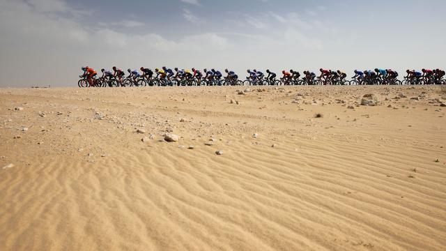 UCI kort wegrace WK in Qatar met 100 kilometer in bij extreme hitte